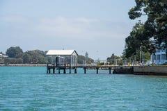 Casa de barco no lago Imagens de Stock Royalty Free