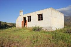 Casa de campo abandonada foto de stock