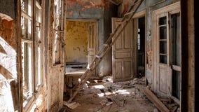 Casa de campo abandonada - Grécia imagem de stock royalty free