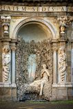 Casa de campo Aldobrandini em Frascati Teatro das águas Indicadores velhos bonitos em Roma (Italy) foto de stock