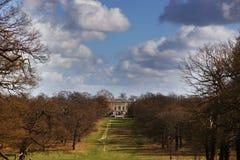 Casa de campo blanca en el parque de Richmond Imagen de archivo libre de regalías