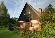 Casa de campo com cruz Imagens de Stock Royalty Free
