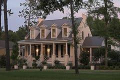 Casa de campo crepuscular fotos de stock royalty free