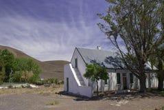 Casa de campo da exploração agrícola do Karoo imagens de stock