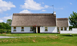 Casa de campo da fotografia, natureza rural ireland fotografia de stock royalty free
