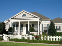 Casa de campo de gama alta Imagem de Stock Royalty Free