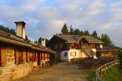 Casa de campo de las montañas imágenes de archivo libres de regalías