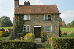 Casa de campo de pedra no país Foto de Stock Royalty Free