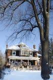Casa de campo del invierno Fotografía de archivo libre de regalías