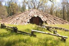 Casa de campo del sudor del indio de Miwok Fotos de archivo libres de regalías