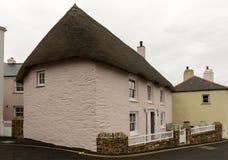 Casa de campo do telhado da palha em St Mawes, Cornualha Fotografia de Stock