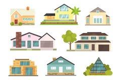 Casa de campo e ícones classificados da construção dos bens imobiliários Coleção residencial da casa no estilo novo dos desenhos  Imagem de Stock Royalty Free