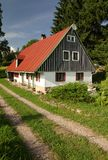 Casa de campo e trajeto Foto de Stock Royalty Free