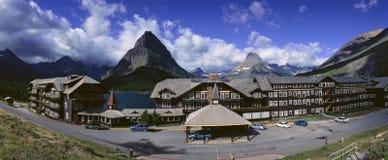 Casa de campo en muchos glaciar Imagen de archivo libre de regalías