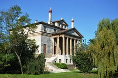 Casa de campo Foscari, nomeado La Malcontenta, projetado pelo arquiteto de Andrea Palladio foto de stock royalty free