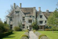 Casa de campo inglesa imagenes de archivo