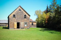 Casa de campo de madera en Nuevo Brunswick, Canadá imagen de archivo libre de regalías