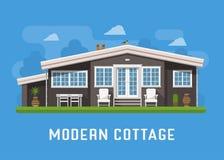 Casa de campo moderna no fundo rural Fotos de Stock Royalty Free