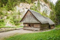Casa de campo nas montanhas Foto de Stock