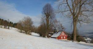 Casa de campo nas montanhas Imagem de Stock