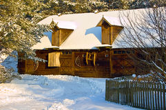 Casa de campo no inverno Imagens de Stock