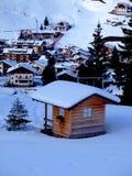 Casa de campo no inverno fotos de stock royalty free