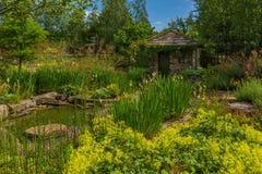 Casa de campo no parque Fotos de Stock Royalty Free