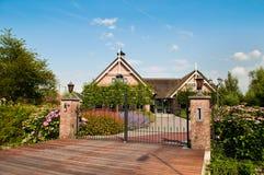 Casa de campo pequena luxuoso Fotografia de Stock Royalty Free