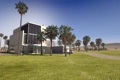 Casa de campo tropical luxuosa contemporânea ilustração do vetor