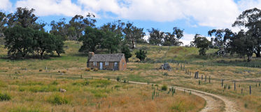 Casa de campo velha imagens de stock