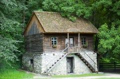 Casa de campo vieja Imágenes de archivo libres de regalías
