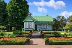 Casa de campo vitoriano do século XIX restaurada em Rotorua, Nova Zelândia imagem de stock