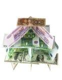 Casa de cartões no branco Imagens de Stock Royalty Free