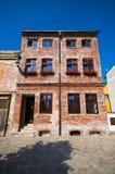 Casa de cortiço tijolo-feita velha Fotografia de Stock