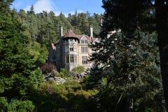 Casa de Cragside e jardins Northumberland fotos de stock royalty free