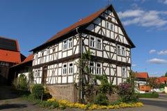 Casa de entramado de madera en Hesse septentrional Alemania Foto de archivo libre de regalías