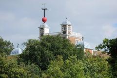 Casa de Flamsteed de la bola de tiempo de Greenwich, Londres Imágenes de archivo libres de regalías