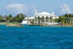Casa de gama alta nos Tropics Imagens de Stock
