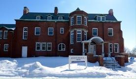 Casa de Hegeler en nieve Imagenes de archivo