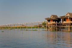Casa de la aldea en el lago Inle Imagen de archivo