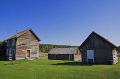 Casa de la cabaña de madera del vintage Imagen de archivo