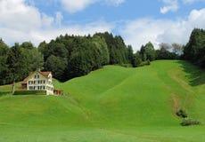 Casa de la colina imágenes de archivo libres de regalías