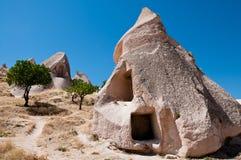Casa de la cueva Fotografía de archivo libre de regalías