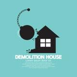 Casa de la demolición por un péndulo grande Imagen de archivo libre de regalías