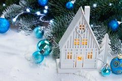 Casa de la Navidad blanca Fotos de archivo
