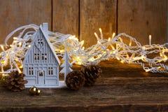 Casa de la Navidad blanca Imágenes de archivo libres de regalías