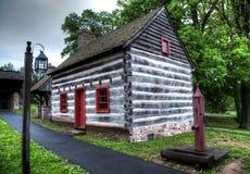 Casa de log colonial Foto de Stock Royalty Free
