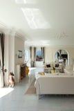 Casa de lujo, sala de estar Imagen de archivo
