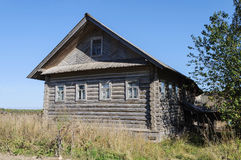 Casa de madeira abandonada velha Fotos de Stock Royalty Free