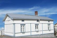Casa de madeira branca Fotos de Stock Royalty Free